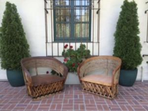 Where to find Equipale Oversized Chairs in San Francisco
