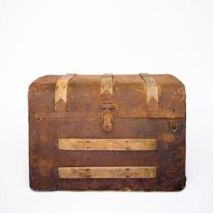 Rent Trunks + Suitcases